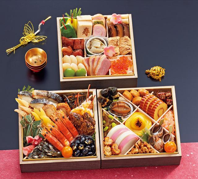 京料理のお出汁の味を楽しみたい、そんな人気おせち通販なら京都祇園や満文のおせちがおすすめです。冷凍おせちですが、30日に冷蔵庫に24時間いれておくだけ、和のおせちにこだわる方なら文句なし!の全国対応、おせち宅販です。京都祇園や満文おせち琴響